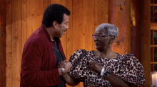 Love, 'American Idol'-style: Marriage proposals and sassy great-grandma steal viewers' hearts