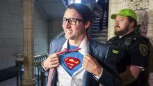 Justin Trudeau, ¡demuestra que es Superman!