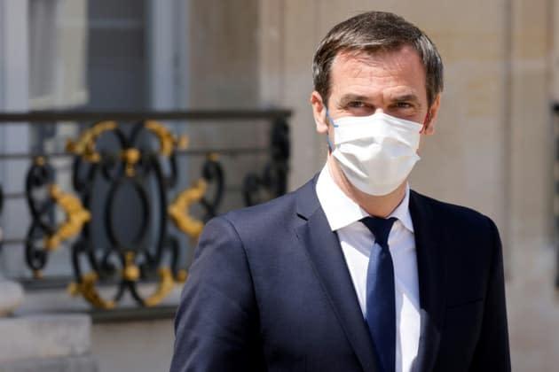 """Pass sanitaire: Véran assure que l'exécutif y mettra fin """"à la minute"""" où il le pourra"""