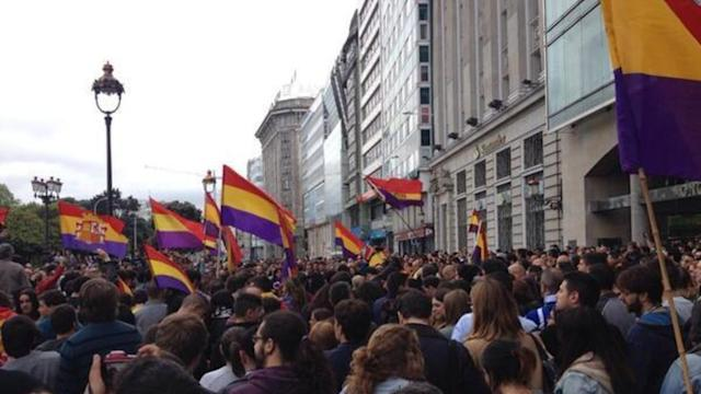 Thousands Call for Referendum in Protests Against Monarchy