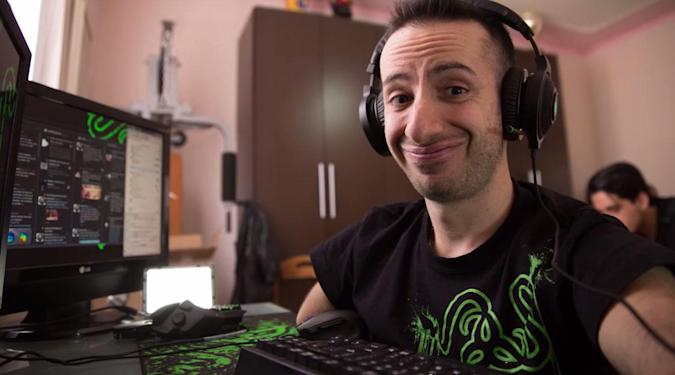 How a handless gamer dominates 'League of Legends'