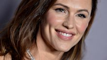 Jennifer Garner recreates 'Alias' bikini scene with twist she had 'promised' to never post