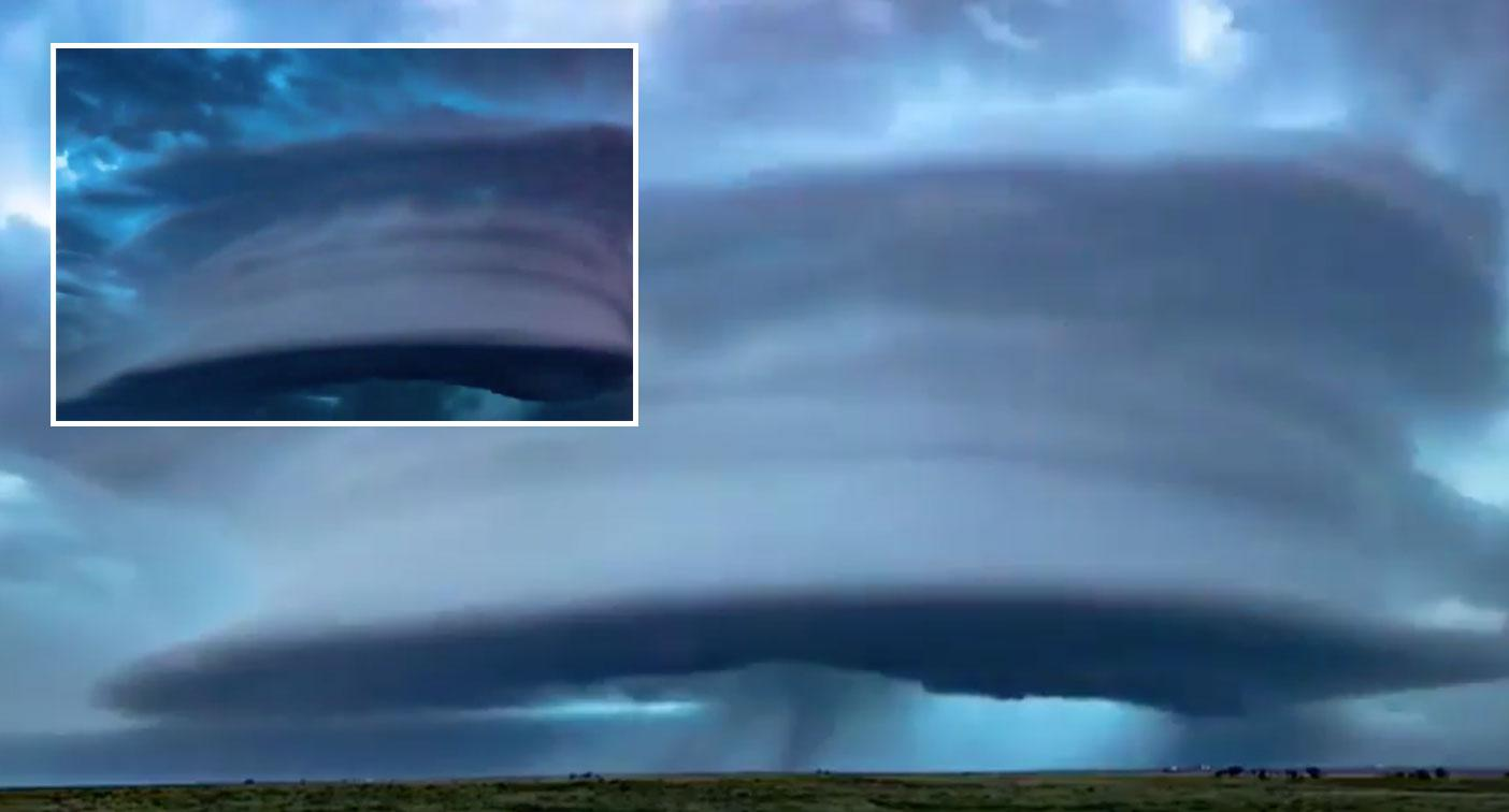 Insane 'mothership structure' weather pattern caught on camera