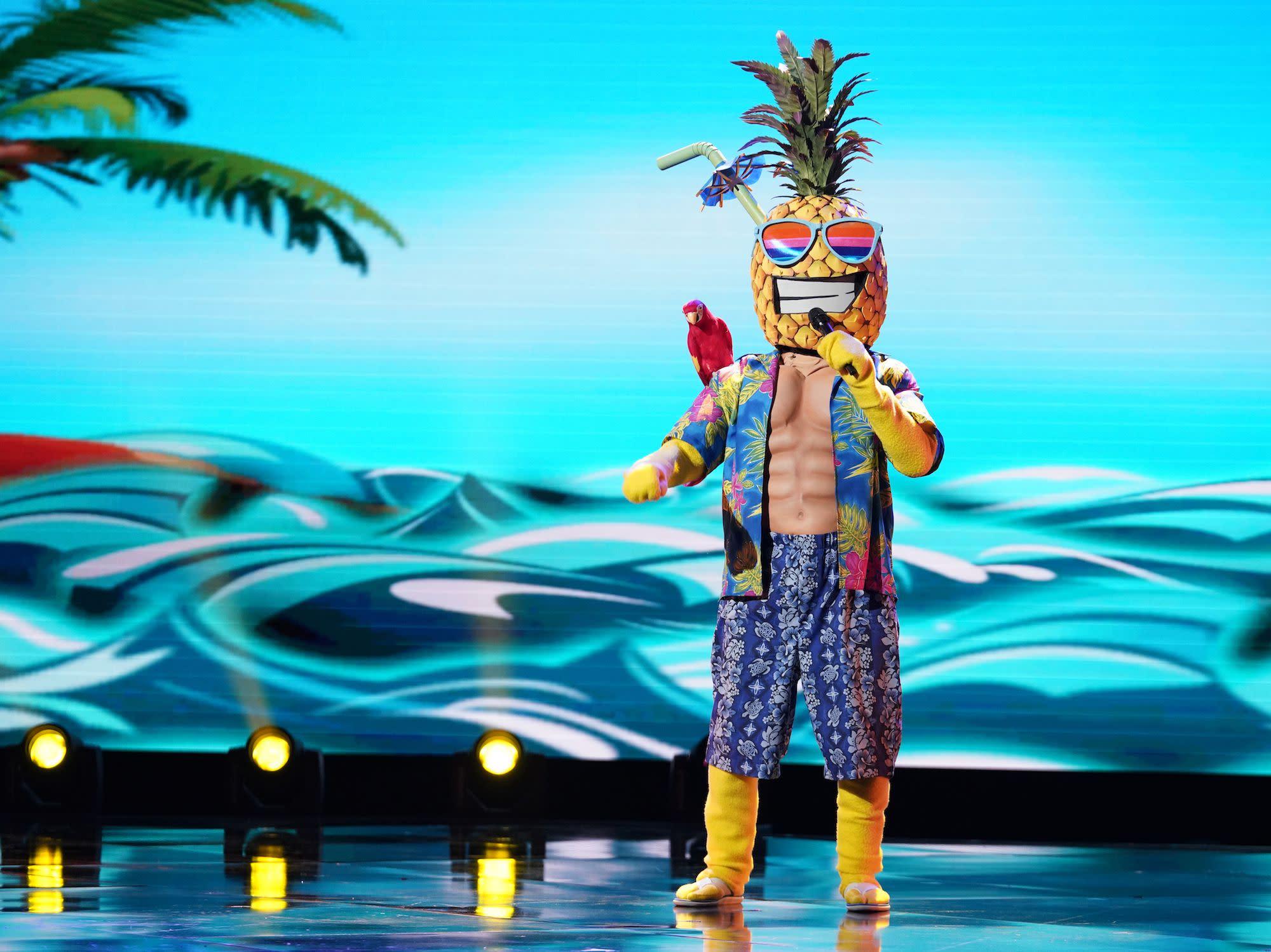 yahoo entertainment masked singer