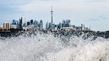 Strong winds pummeling Toronto
