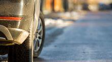 Changement climatique: Extinction Rebellion dégonfle des pneus de SUV à Bordeaux