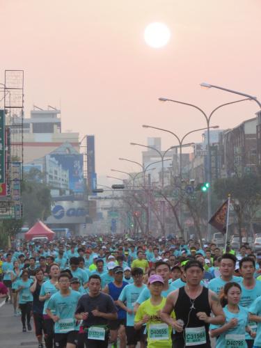 台南古都國際馬拉松開跑 (圖).
