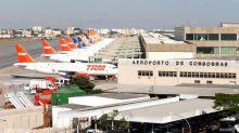 Bolsonaro reabre las fronteras aéreas al turismo y Brasil registra un récord de muertos