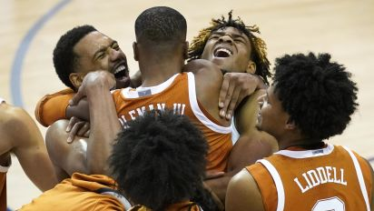 Texas downs UNC on last shot for Maui title