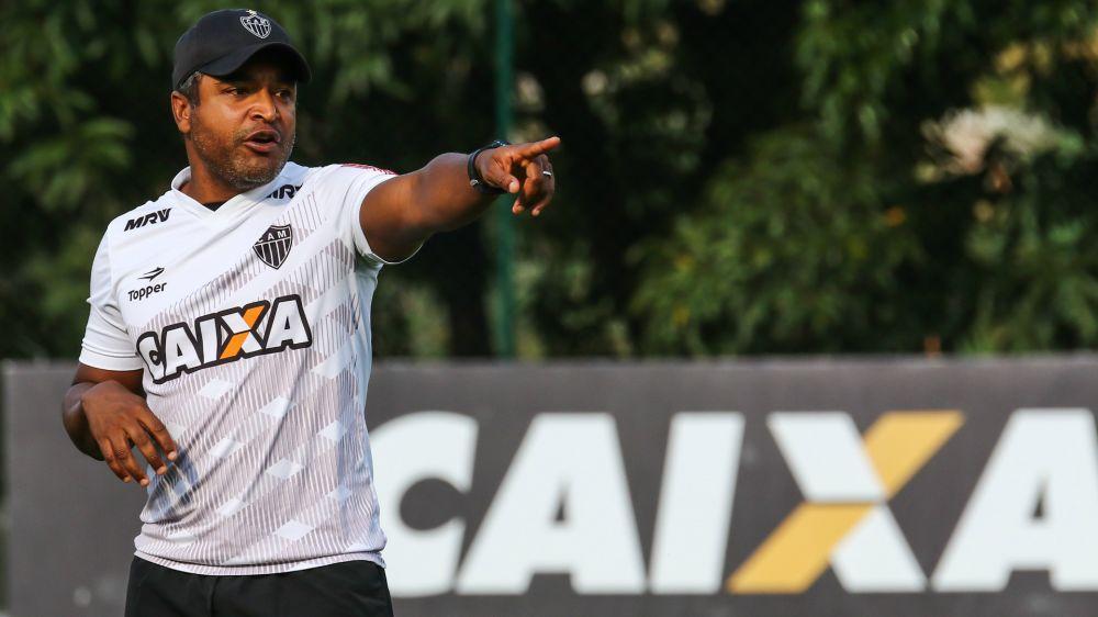 Mano e Roger têm dificuldades para blindar Cruzeiro e Atlético-MG de polêmicas antes de final