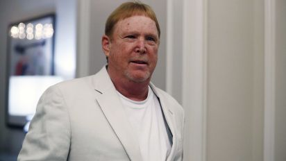 Raiders owner Davis takes heat for insensitive tweet