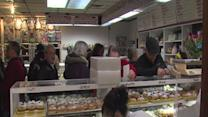 RAW: Crowd gathers to buy paczkis