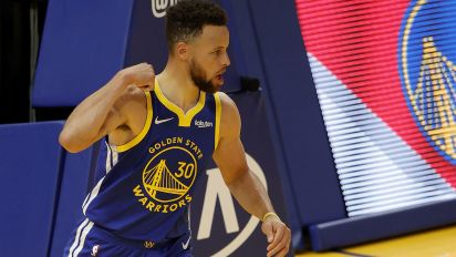 Move over Wilt: Curry new Warriors leading scorer
