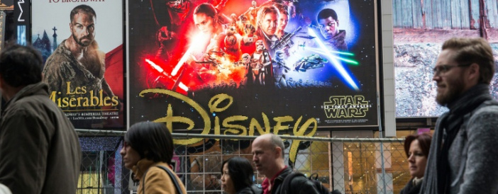 A blockbuster awakens: 'Star Wars' back on big screen