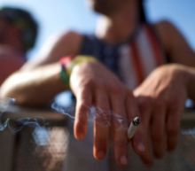 Senate leader calls for raising minimum age to buy tobacco products to 21