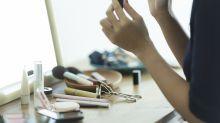 Expertin verrät: Diese Make-up-Produkte sind überflüssig