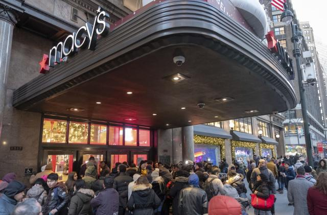 Macy's says its website leaked credit card info to hackers for a week