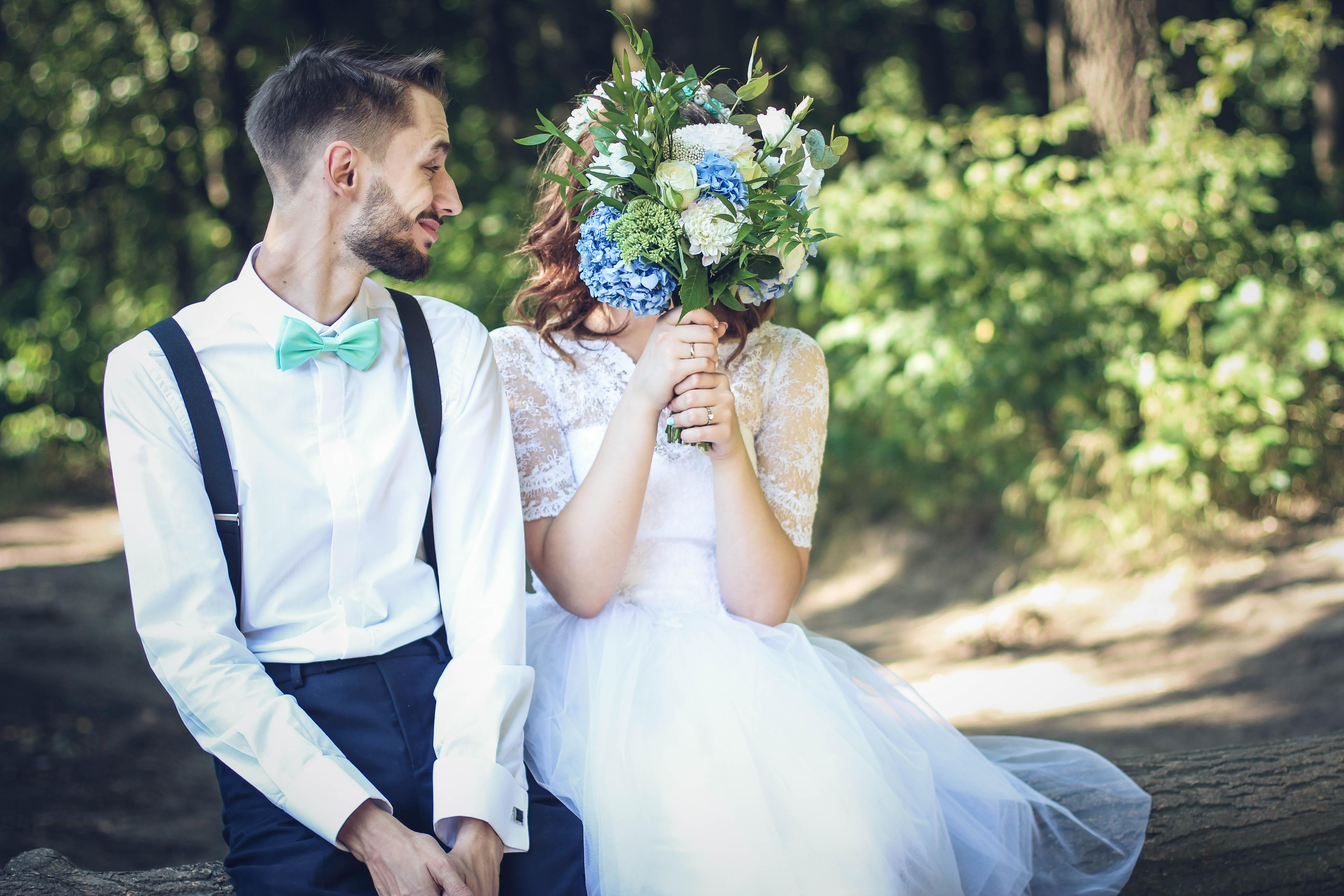 This Couples Wedding Photo Went Horribly Wrong in the Most Hysterical Way recommendations
