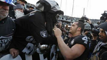 Raiders fans turn violent after crushing loss
