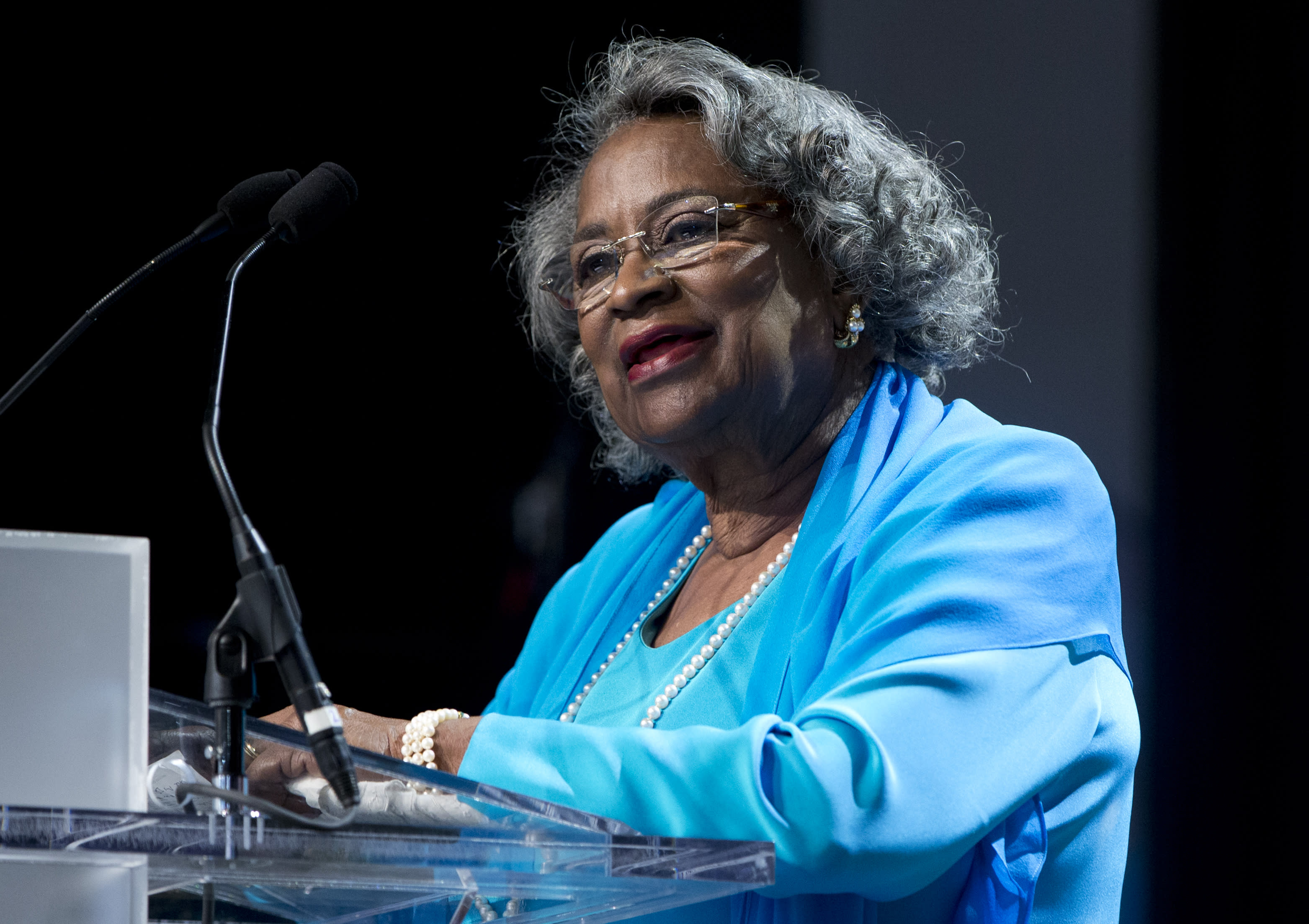 """FILE - In this Saturday, Sept. 19, 2015 file photo, Civil rights activist Juanita Abernathy speaks after receiving the George Thomas """"Mickey"""" Leland Award at the Congressional Black Caucus Foundation's 45th Annual Legislative Conference Phoenix Awards Dinner at the Walter E. Washington Convention Center in Washington. Juanita Abernathy, who wrote the business plan for the 1955 Montgomery Bus Boycott and took other influential steps in helping to build the American civil rights movement, has died. She was 88. Family spokesman James Peterson confirmed Abernathy died Thursday, Sept. 12, 2019 at Piedmont Hospital in Atlanta following complications from a stroke. (AP Photo/Carolyn Kaster, File)"""
