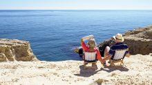 El sector turístico se adelanta a la vuelta del Imserso y empieza a vender viajes a los mayores