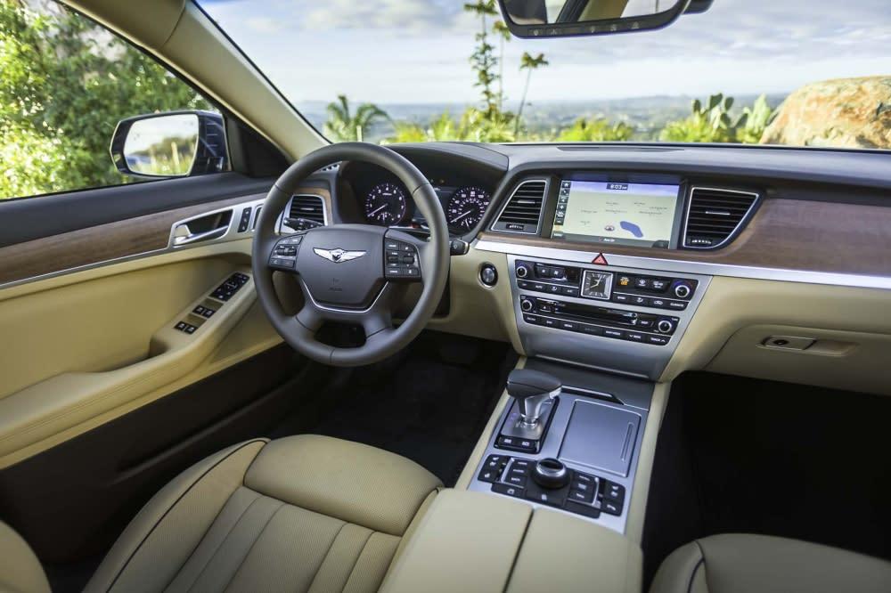 平價車也有高質感享受!嚴選10款絕美內裝車款