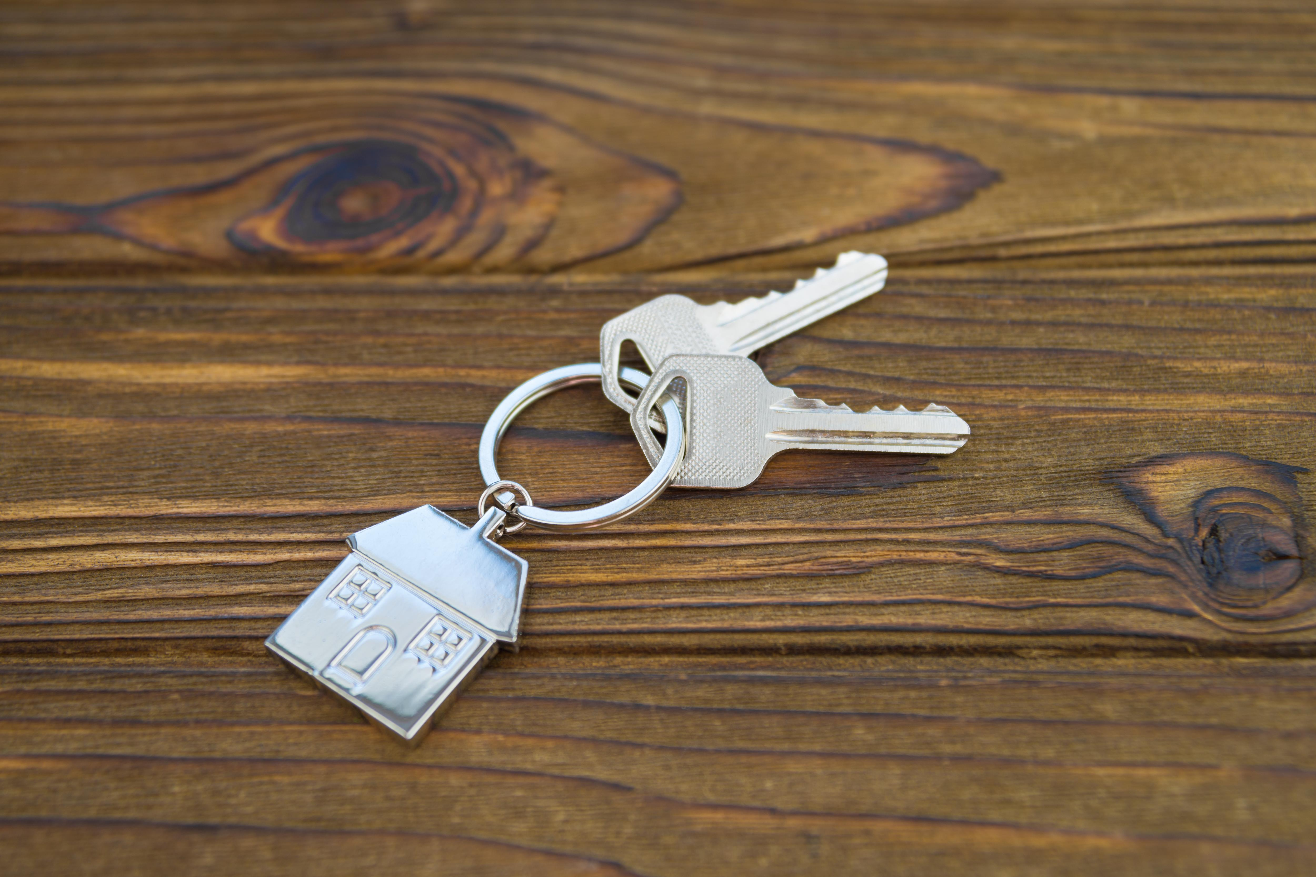 Flip this house: How Zillow helps sellers offload homes without the stress