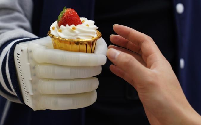 MIT neuroprosthetic balloon hand