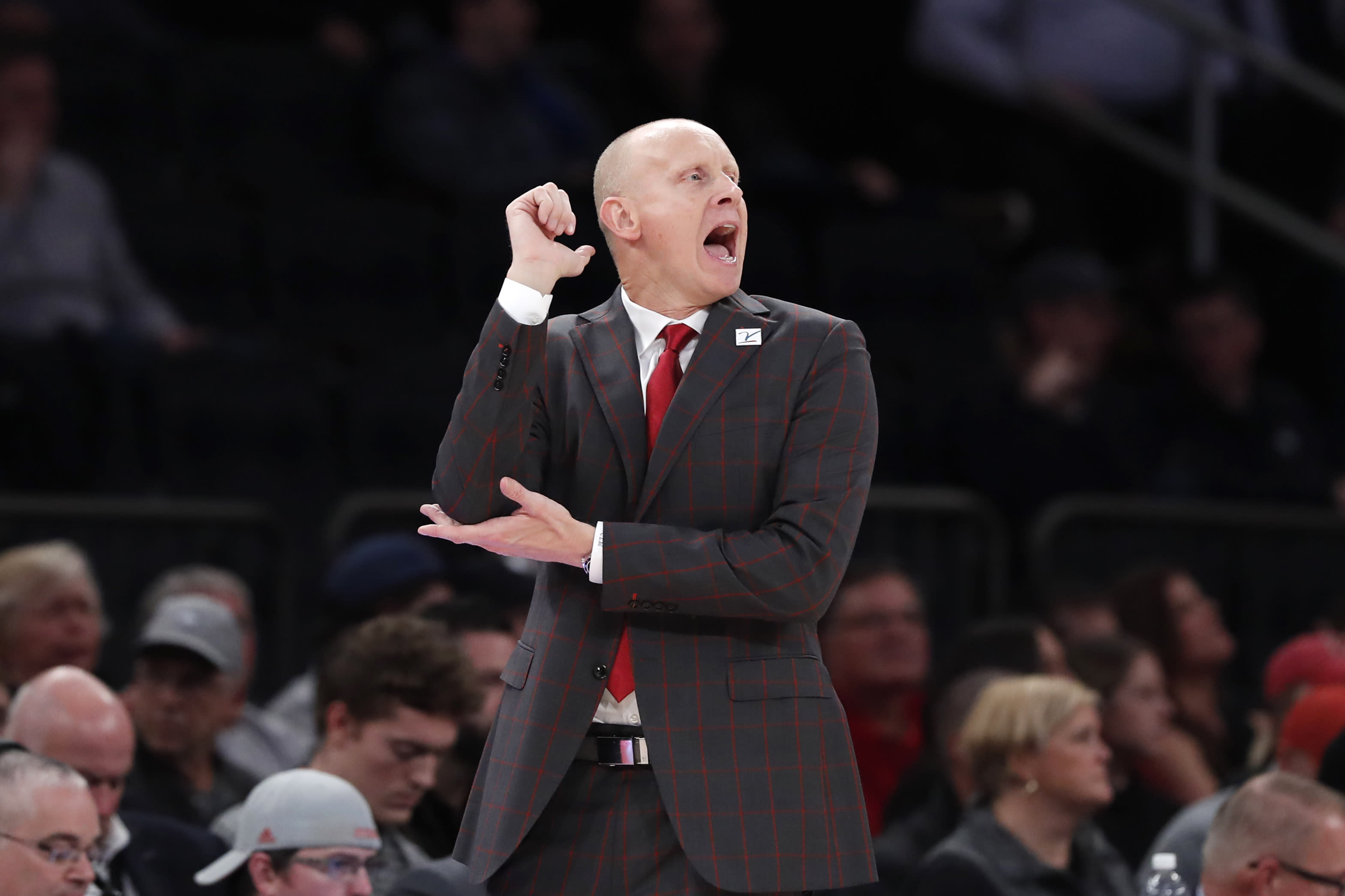 Louisville, Maryland both lose on night of college basketball upsets
