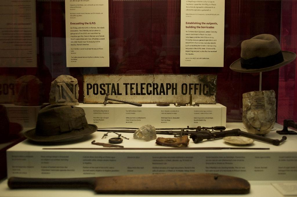 An array of Irish revolutionaries' personal objects are displayed at the National Museum of Ireland in Dublin (AFP Photo/Paulo Nunes dos Santos)