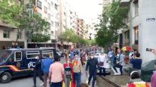 Una multitud vuelve a manifestarse sin respetar la distancia de seguridad por las calles de Madrid