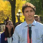 Trudeau asks for forgiveness for brownface photos