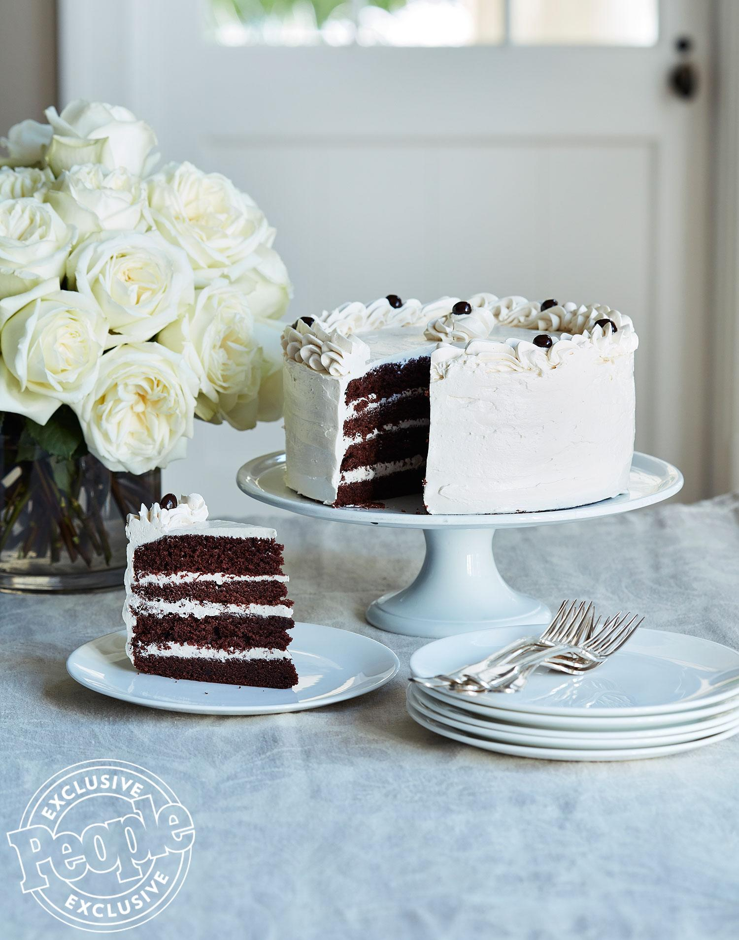 Should Cake With Whipped Cream Be Refrigerated