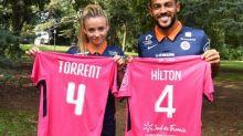 Foot - D1 (F) - La D1 femmes en mode «octobre rose» contre le cancer du sein