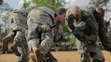 US soldiers told to repay thousands in enlistment bonuses a decade after serving tours
