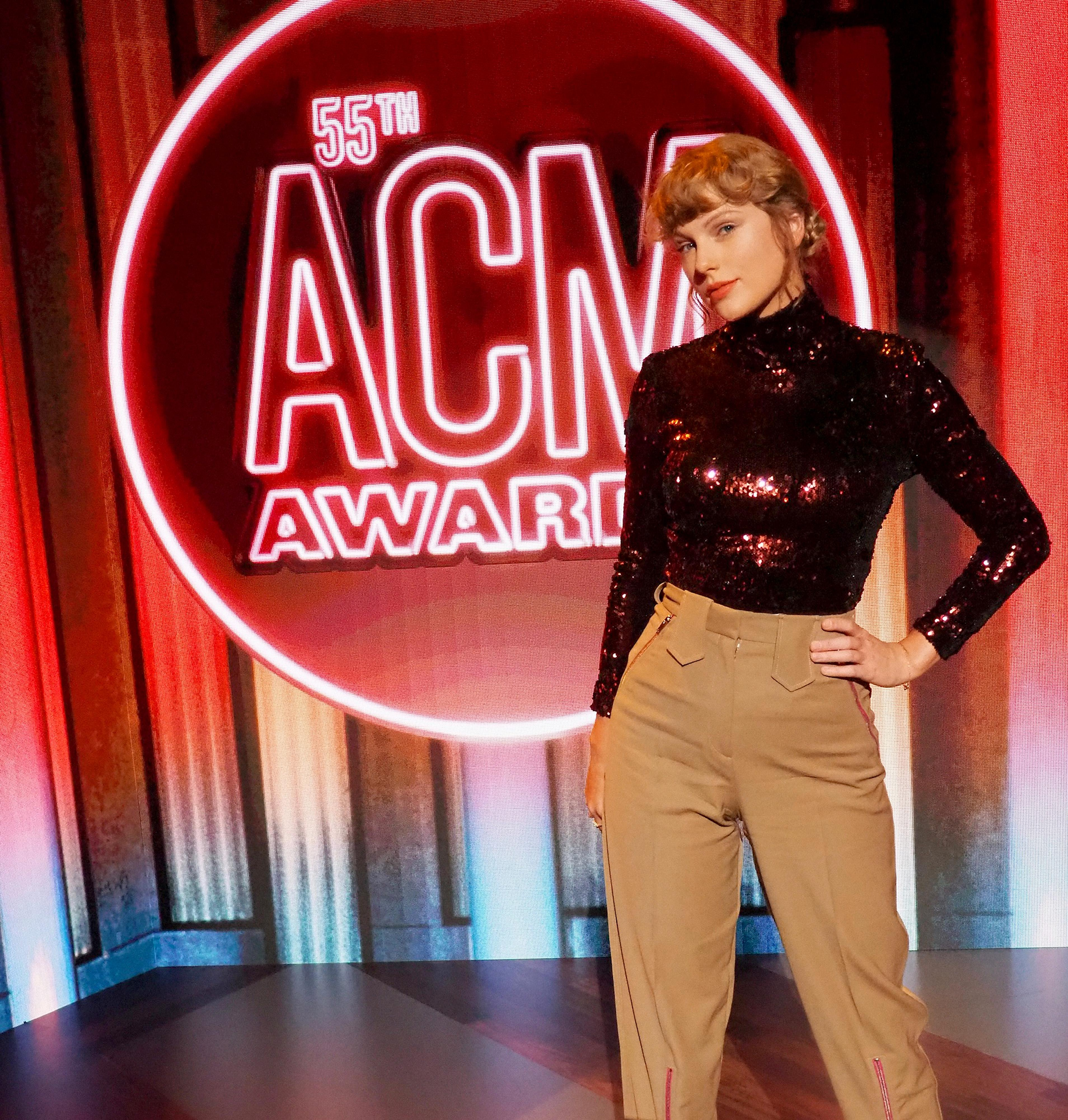 Taylor Swift triumphantly returns to ACM Awards after seven years away from country scene