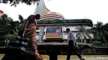 Sensex falls 624 pts on global sell-off, domestic macro woes; Rupee down 62p