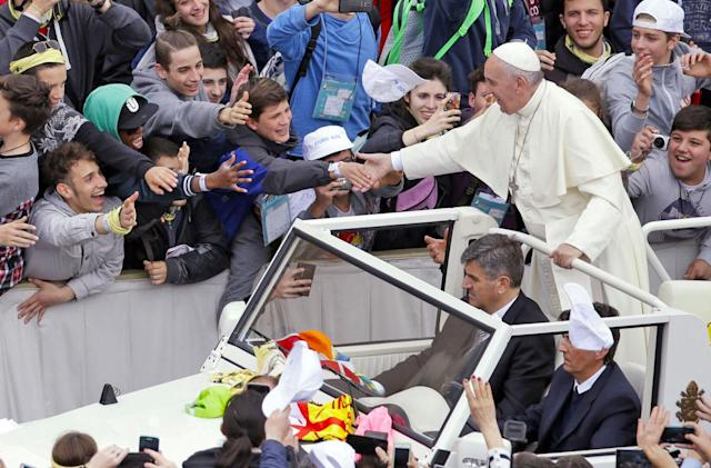 Pope to teens: you cannot download happiness
