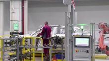 VW, Daimler foresee profits despite crisis