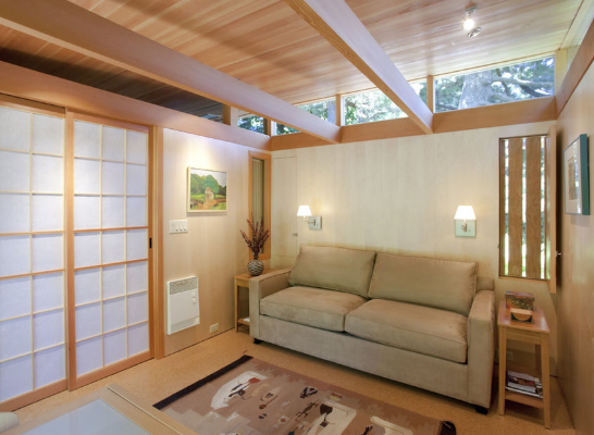 <p>Originally a garden shed, Pietro upgraded the structure with new siding and an overhanging trellis. Years later, Anthony renovated the house and sectioned it off into three areas separated by shoji screens. (Source: tinyhouseliving)<br></p>