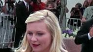 WOWtv - Kirsten Dunst Describes Kissing Brad Pitt as 'Disgusting'