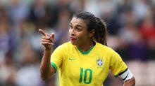 Marta ganha prêmio da Women's Sports Foundation por 'derrubar as barreiras de gênero' no esporte