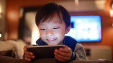 Como decidir quando é o melhor momento de seu filho ter acesso a um smartphone