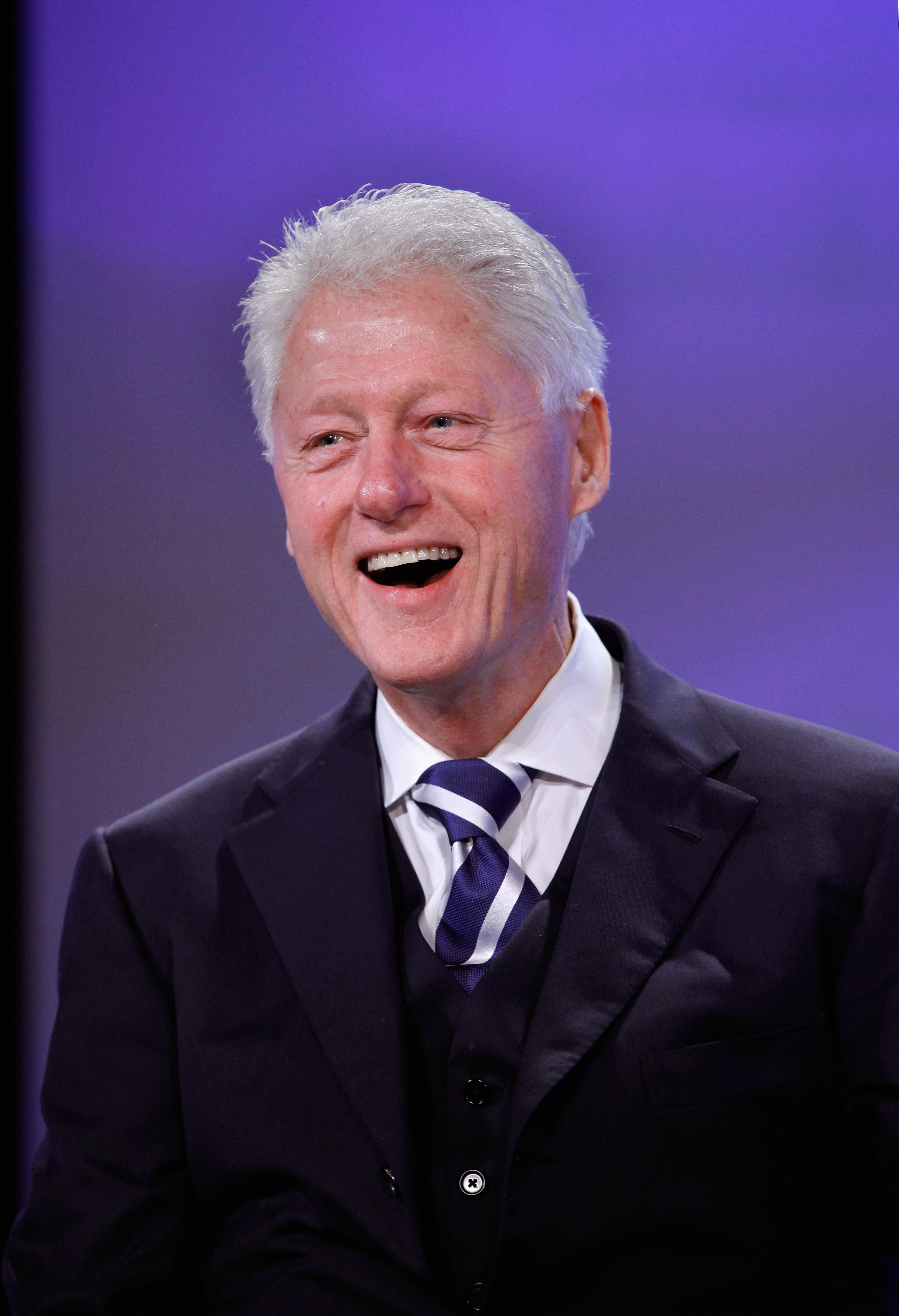 young-bill-clinton-pictures-spy-camera-khmer-girl-take-bath