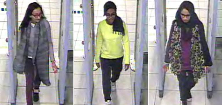 Metropolitan Police Service photo shows British teenagers Kadiza Sultana, Amira Abase and Shamima Begum in London, on February 17, 2015 (AFP Photo/)