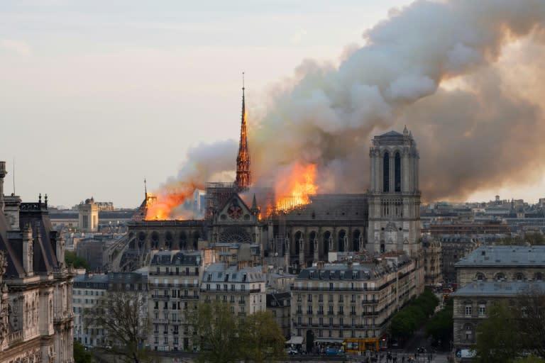 The fire at Notre-Dame could be seen across Paris (AFP Photo/Fabien Barrau)