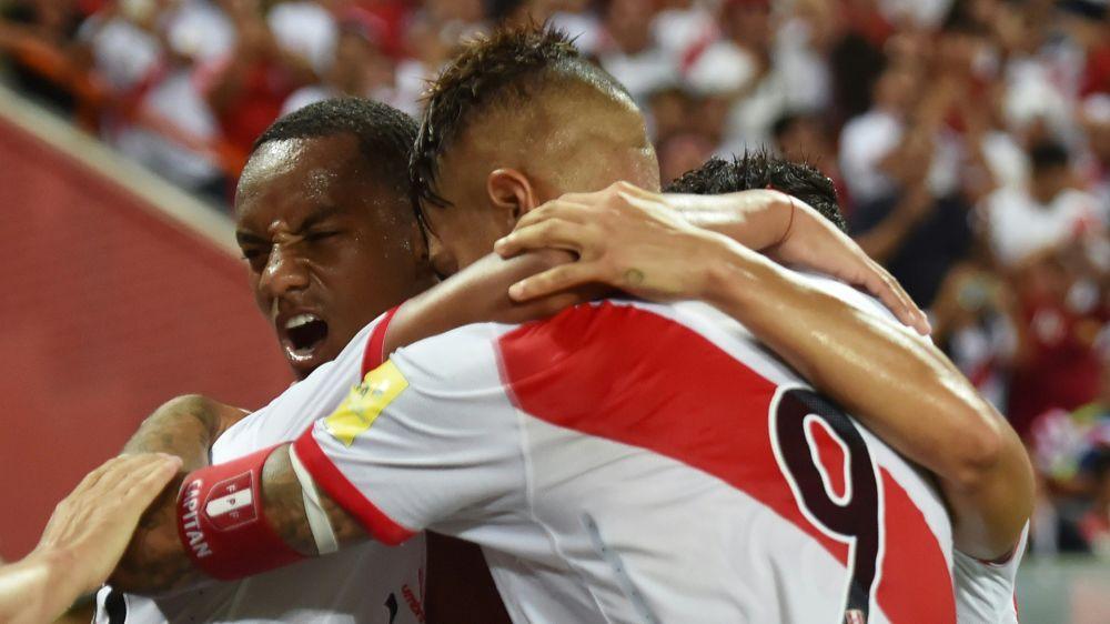 Perú derrotó a Uruguay y se acercó a Argentina por el Repechaje