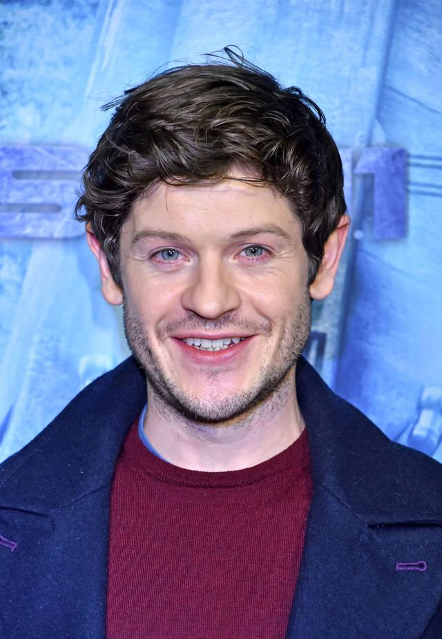 39 got 39 star iwan rheon ist zur ck. Black Bedroom Furniture Sets. Home Design Ideas