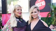 Tori Spelling and Jennie Garth react to Jessica Alba's 'Beverly Hills, 90210' no eye contact claim