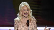 Dolly Parton confiesa infidelidad, intento de suicidio en nuevo libro